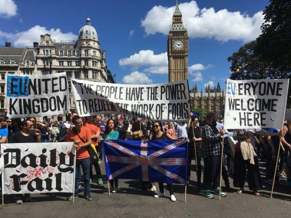 Общество: В парламенте обсудят возможность проведения повторного референдума Brexit
