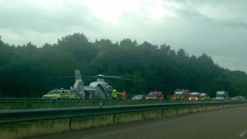 Происшествия: 13 британских подростков пострадало в аварии во время школьной поездки во Францию
