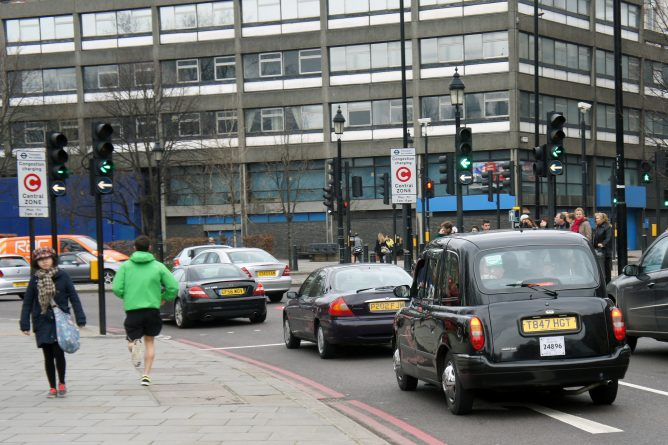 Закон и право: Владельцы старых автомобилей будут платить дополнительный налог
