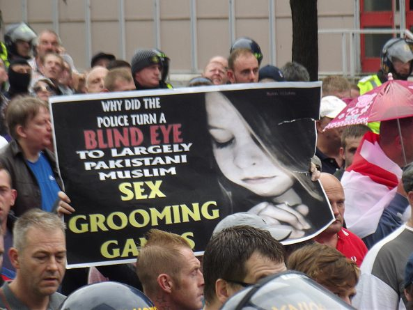 Протесты против молчания властей