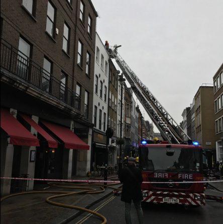 Происшествия: Одна из центральных улиц Сохо перекрыта из-за пожара