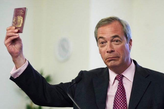 """Политика: Найджел Фараж: Европарламент ведет себя как """"советские инквизиторы"""""""