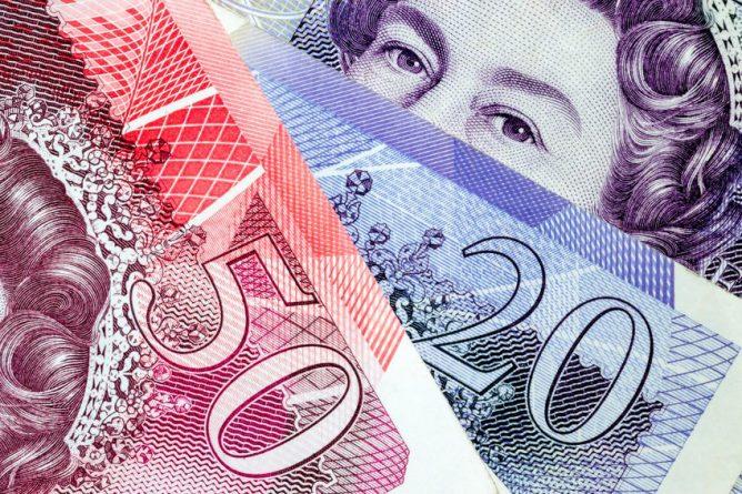 """Бизнес и финансы: Экономику Британии ждет """"вялый"""" рост"""