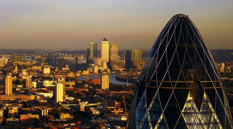 1024px-London_-_The_Gherkin_&_Canary_Wharf copy