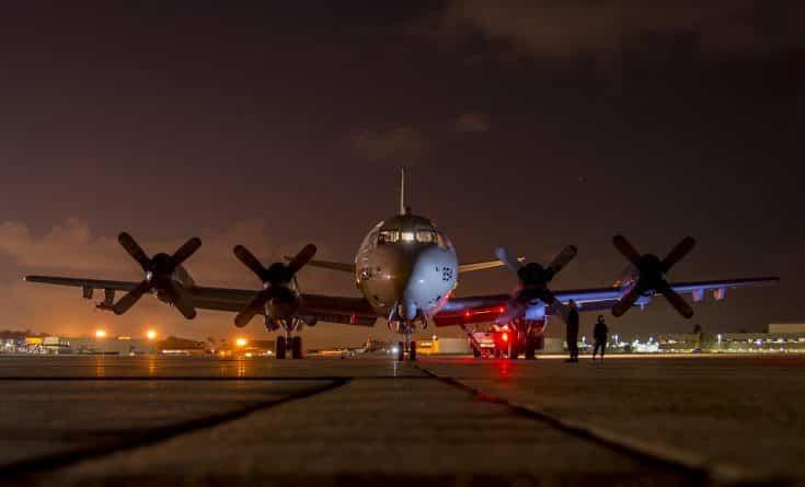 airplane-2037961_1920