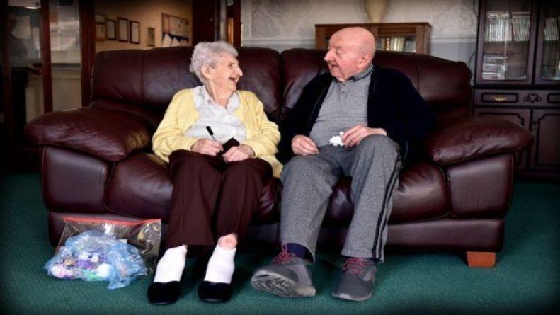 Общество: Женщина переехала в дом престарелых, чтобы ухаживать за своим 80-летним сыном