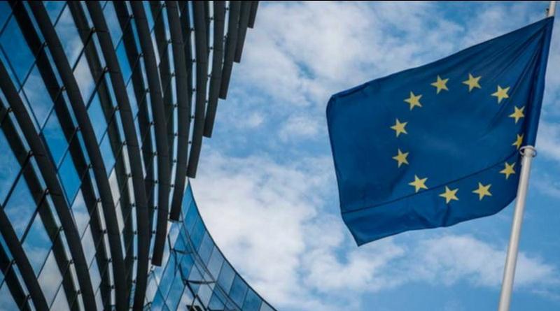 Политика: Правительство Великобритании делает шаг навстречу сохранению прав жителей ЕС
