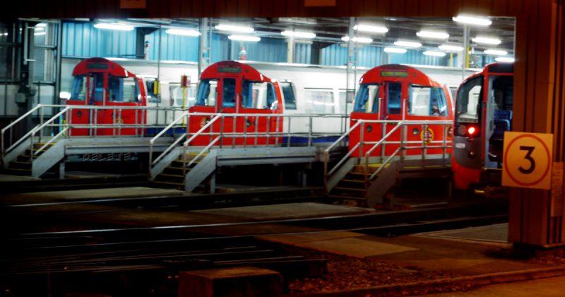 Общество: Сотрудники лондонского метро не намерены отказываться от забастовки