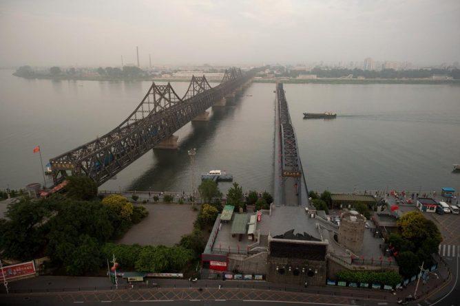 China-Korea-bridge-DPceJXYVQAE06m-