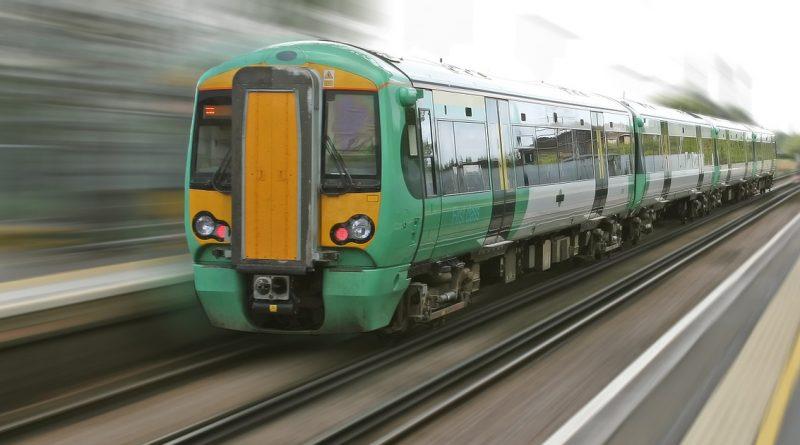 Путешествия: По всей Британии железнодорожное сообщение будет существенно сокращенона период праздников