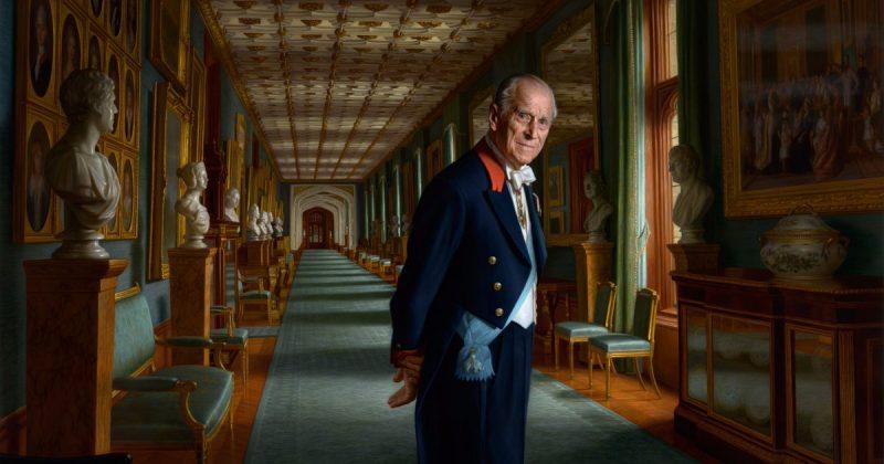 Общество: Букингемский дворец представит новый портрет принца Филиппа в следующем году