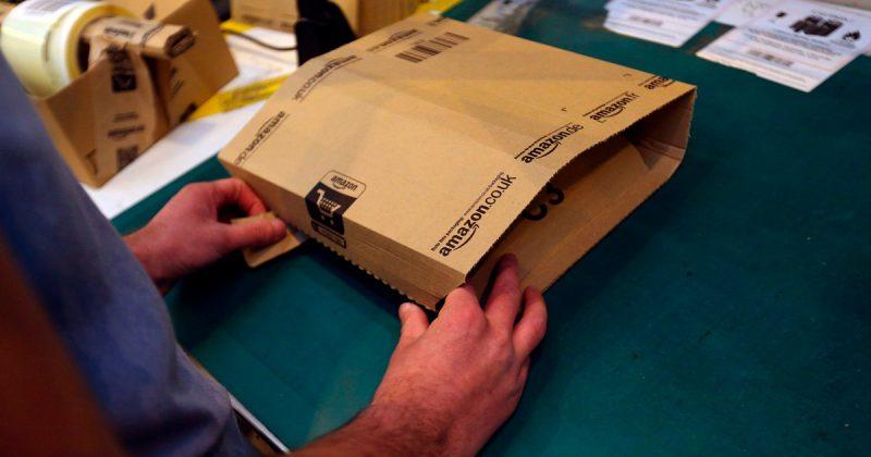 Общество: Водители Amazon получают £150 в неделю, доставляя 300 посылок в день