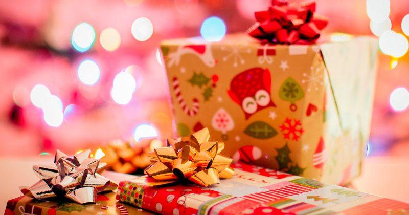 Общество: Британка, живущая на пособия, тратит £2 тысячи на подарки для своих детей