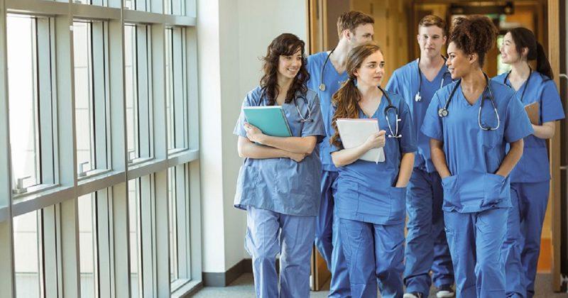 Общество: Студенты медицинских вузов заменят медсестер в больницах