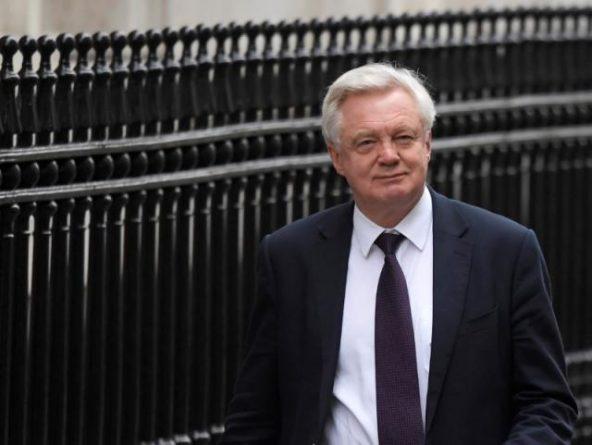 Политика: Brexit: Дэвид Дэвис дразнит своих коллег из Евросоюза