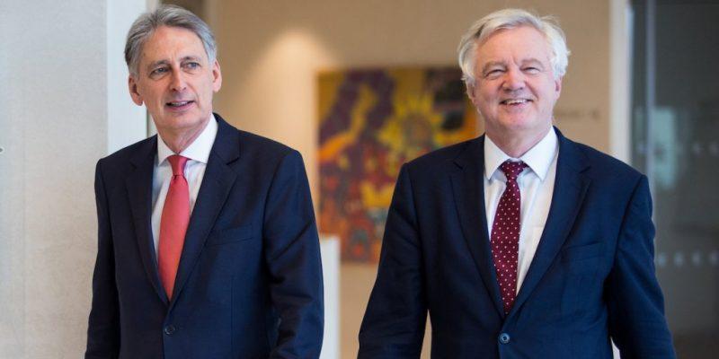Hammond-Davis-Brexit-yGz8W0AAjTI9