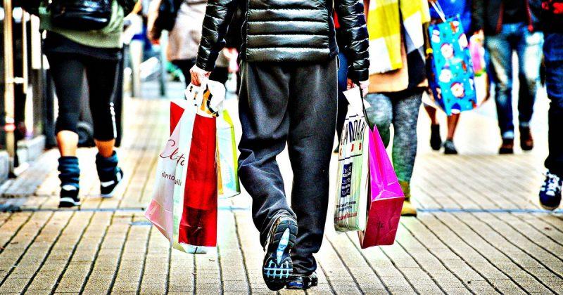 """Бизнес и финансы: """"Черная пятница"""" подкосила продажи британских ретейлеров в декабре"""