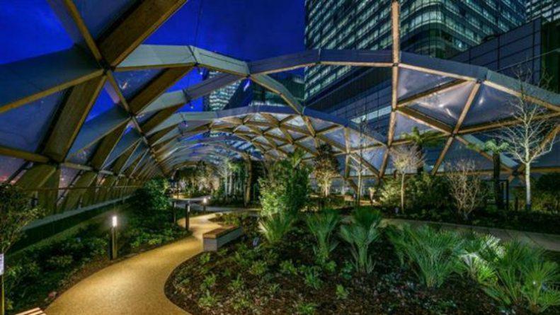 Досуг: В фантастическом саду на крыше Crossrail Place можно расслабиться и насладиться закатом солнца