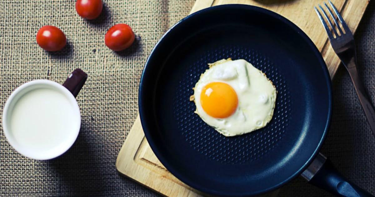 https://www.pexels.com/photo/food-breakfast-egg-milk-8806/