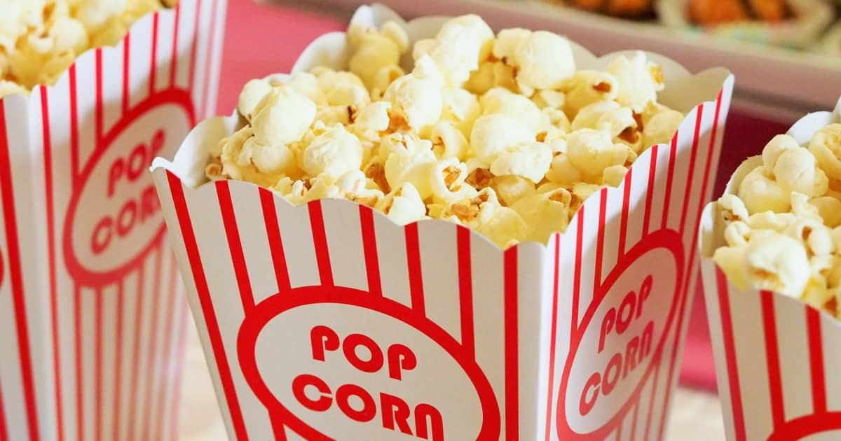 https://www.pexels.com/photo/food-snack-popcorn-movie-theater-33129/