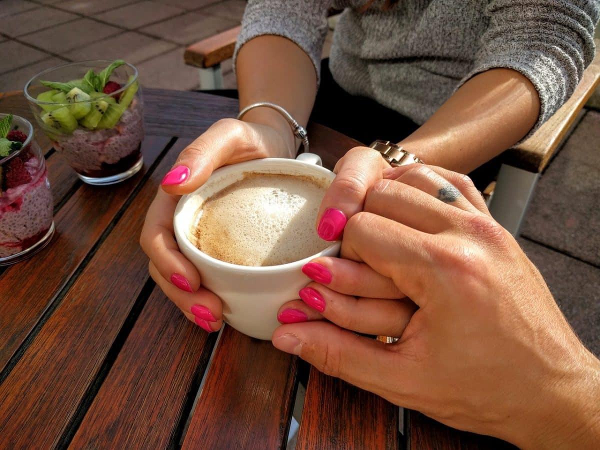 свидание за чашкой кофе