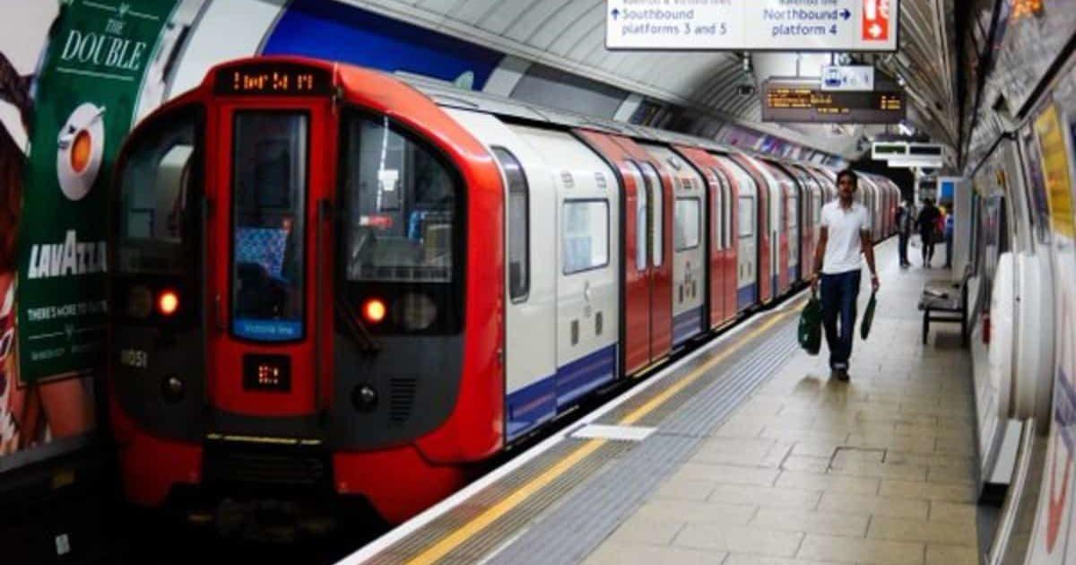 Водители Лондонского метрополитена продолжают бастовать, несмотря на зарплату выше £100 тысяч