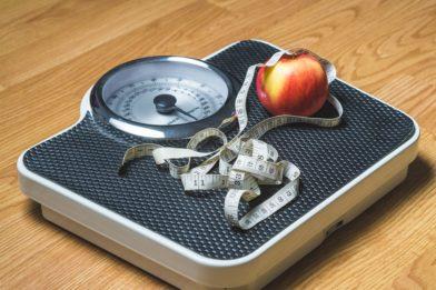 яблоко на весах