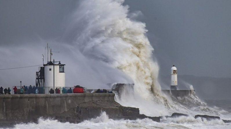 Погода: Шторм Гарет: скорость ветра в Великобритании достигнет 129 км/час