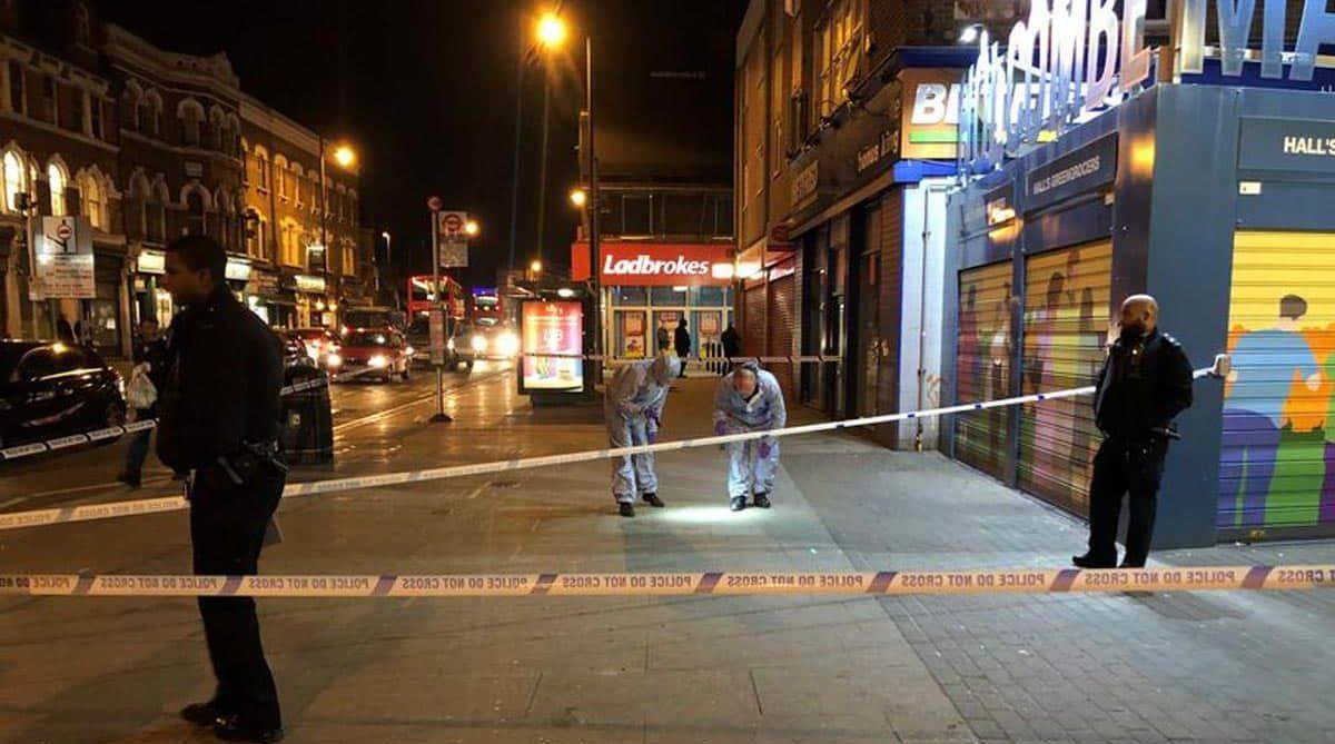 Кровавая расправа в Лондоне: за ночь ножевые ранения получили 6 человек, включая 4 подростков
