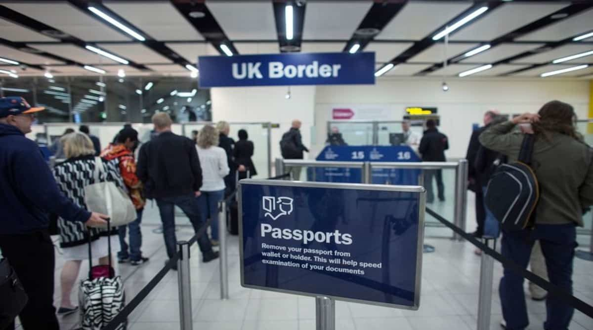 Конец эры миграционных карт в аэропортах приведет к росту очередей возле турникетов E-Gate