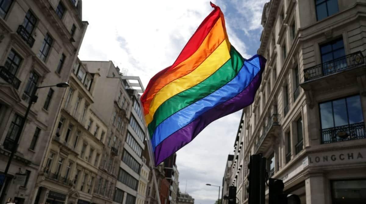 Историческое голосование: правительство приняло закон об обязательном изучении ЛГБТ в начальной школе