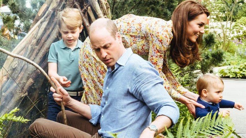 Общество: Кейт Миддлтон и принц Уильям поделились семейными снимками с детьми: милые кадры