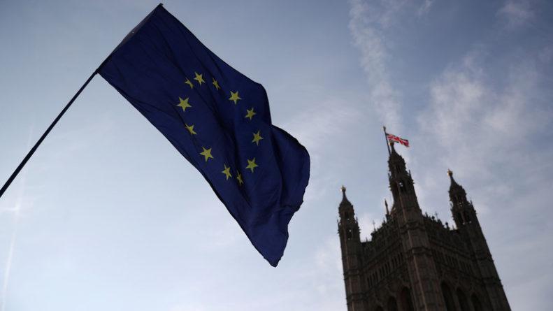 Политика: Британия примет участие в выборах в Европарламент