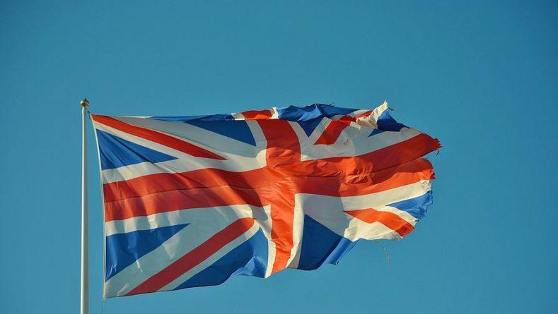 Общество: Число претендентов на пост премьера Британии возросло до восьми