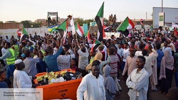 Британский дипломат поддерживает связи с оппозицией в Судане