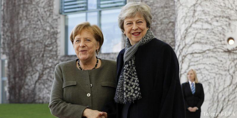Общество: Меркель оценила сотрудничество с ушедшей в отставку Мэй