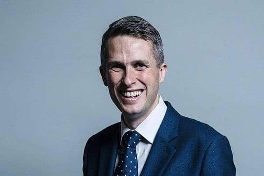 Политика: Появились подробности отставки министра обороны Великобритании