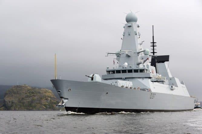 Без рубрики: Великобритания отправляет очередной боевой корабль в Персидский залив
