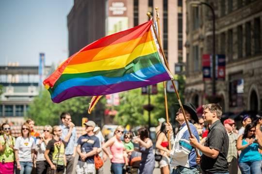 Общество: В Великобритании сообщили о фиктивных и насильственных браках представителей ЛГБТ-сообщества