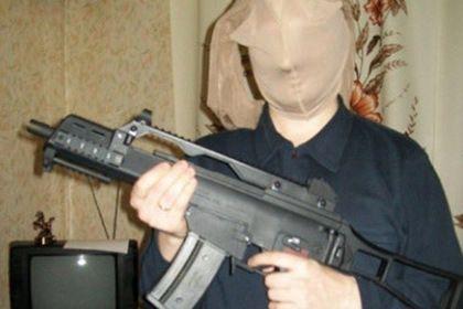 Без рубрики: Британское издание высмеяло фото «российских гангстеров»