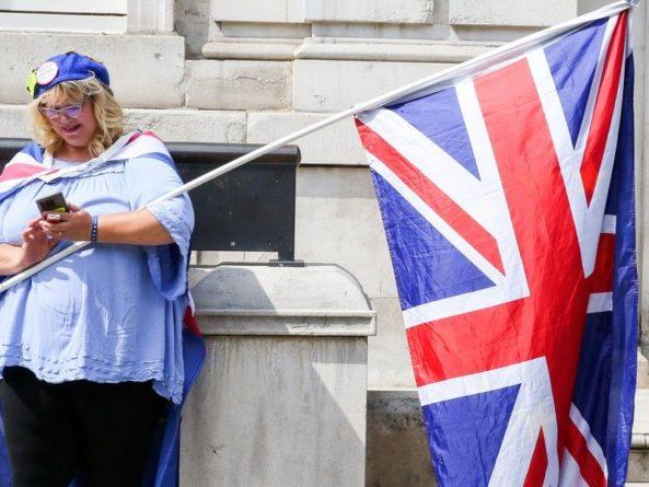Общество: Британцы начали запасаться продуктами из-за Brexit