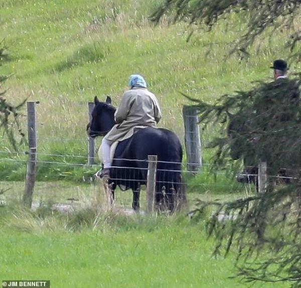 Знаменитости: Обиженная герцогиня: Кейт Миддлтон и принц Уильям пропускают отпуск в Шотландии из-за Меган и Гарри рис 2