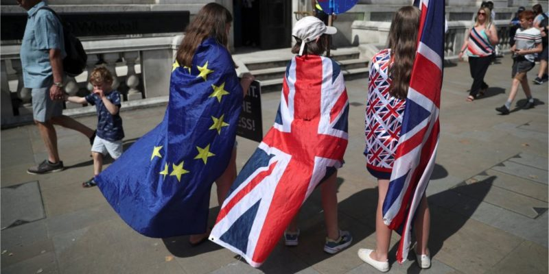 Общество: ВоФранции назвали выход Великобритании изЕС без сделки основным сценарием— СМИ
