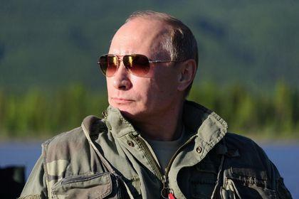 Британский канал покажет фильм про Путина-разведчика