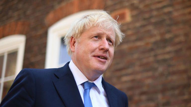 """Общество: Премьер-министра Великобритании обвинили в """"уничтожении конституции"""""""