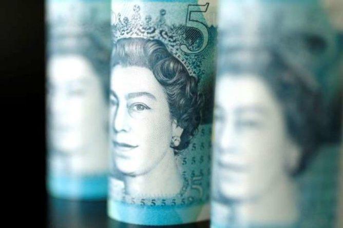 Общество: Британский фунт обвалился на фоне остановки работы парламента