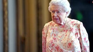 Общество: Королева одобрила приостановку работы британского парламента