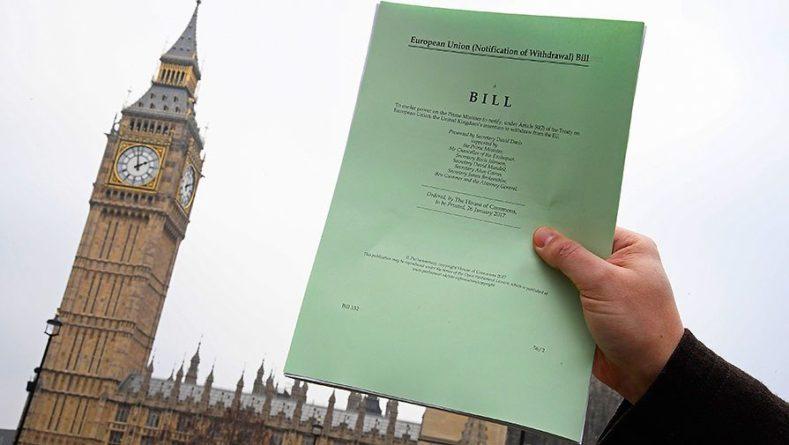 Общество: Handelsblatt рассказала о реакции ЕС на приостановку работы парламента Британии