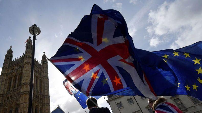 Общество: Лондон выделит £3 млн для помощи британцам в ЕС после Brexit