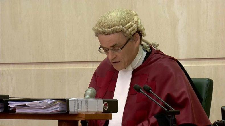 Общество: Суд Шотландии отклонил иск против приостановки работы парламента